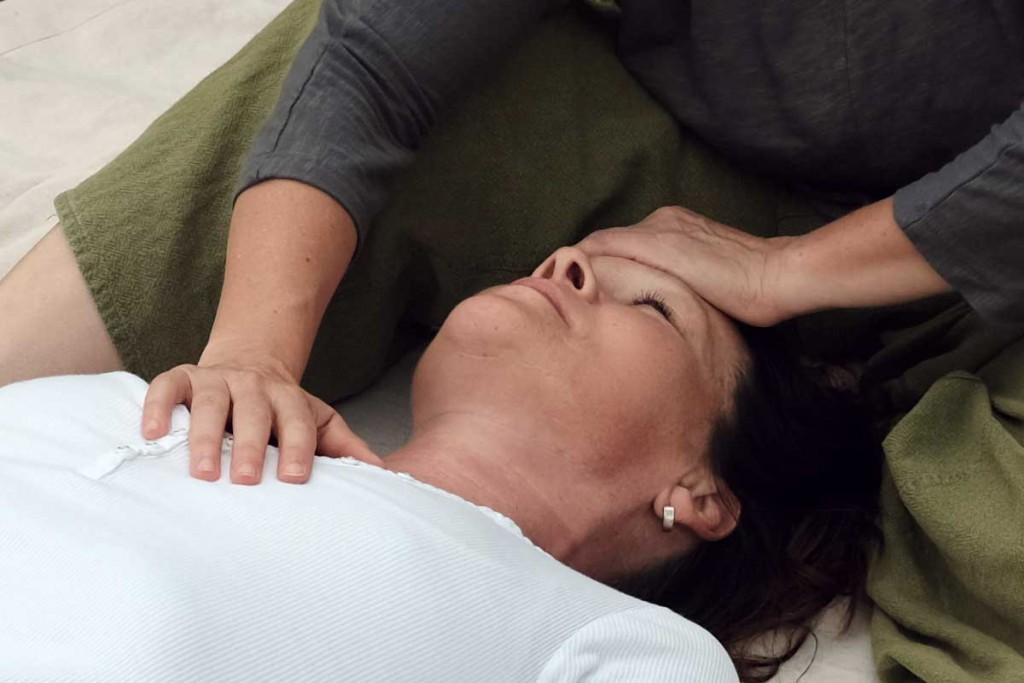 Thai Massage Herz Kopf Verbindung