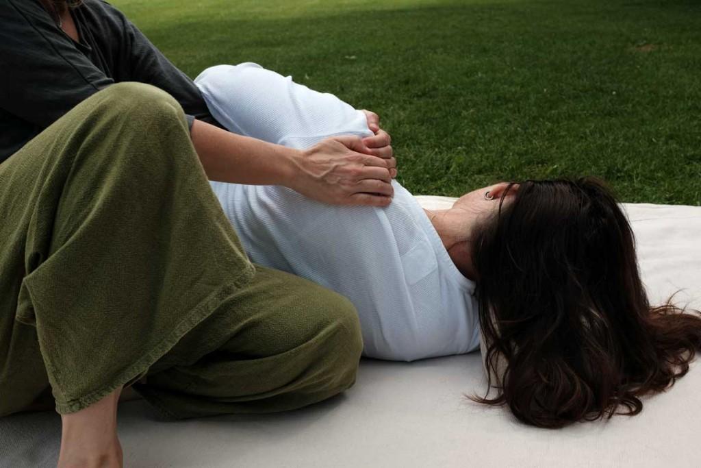 Thai Massage Seitenlage Schultern